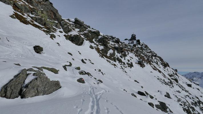 Kurz Skitragen um auf den Grat zu kommen