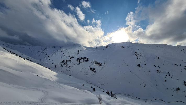 Gegenüber Hoher Kopf und Rosslaufspitze