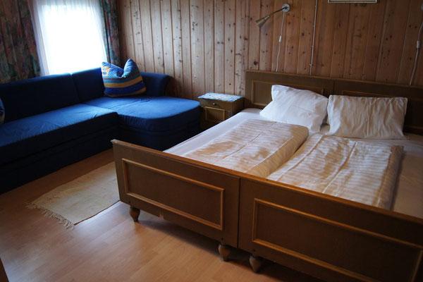 Vierbettzimmer mit Stockbett