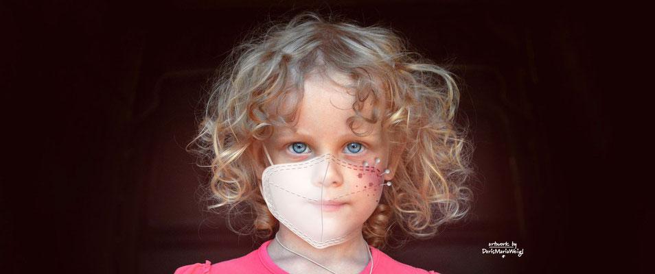 """Foto mit Vektorgrafik """"Mädchen mit Maske"""" - Illustrationen Doris Maria Weigl Mixed Media (Foto von Bessi auf Pixabay)"""