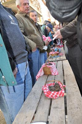 Marché aux truffes de Lalbenque (C. Roques - ADT Lot)
