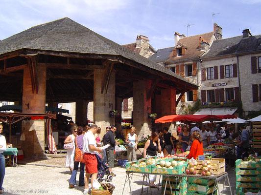 Marché de Martel (C. Seguy - ADT Lot)