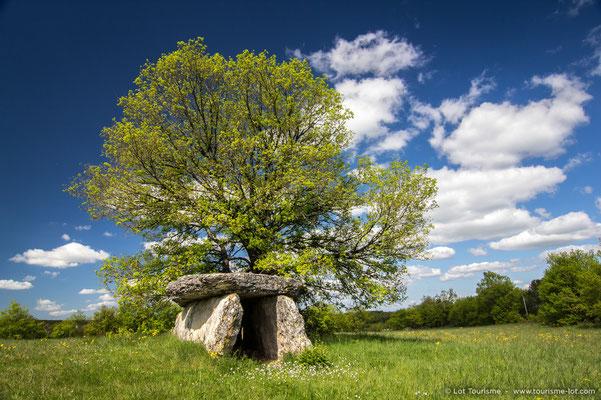 Varaire dolmen
