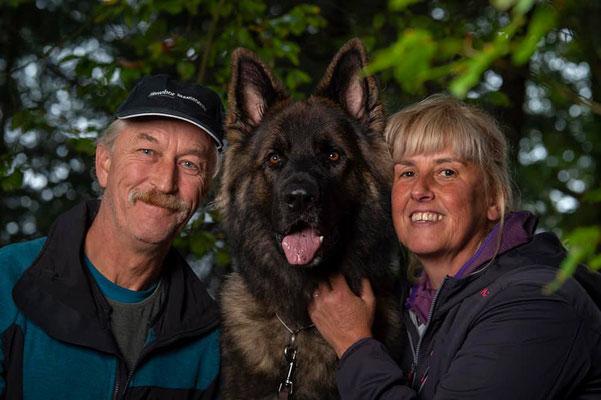 Baiko mit seiner Familie