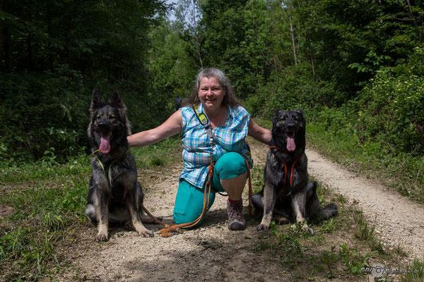 Claudia eine liebe Freundin mit ihren zwei Mädels