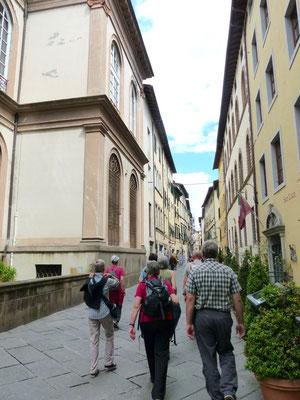 Richtung Zentrum auf der Via San Paolino