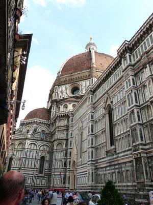 Nordfassade mit Kuppel der Kathedrale Santa Maria del Fiore