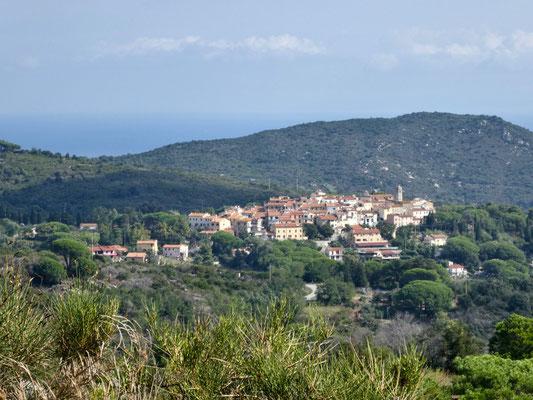Blick auf Sant'Ilario nördlich von San Piero