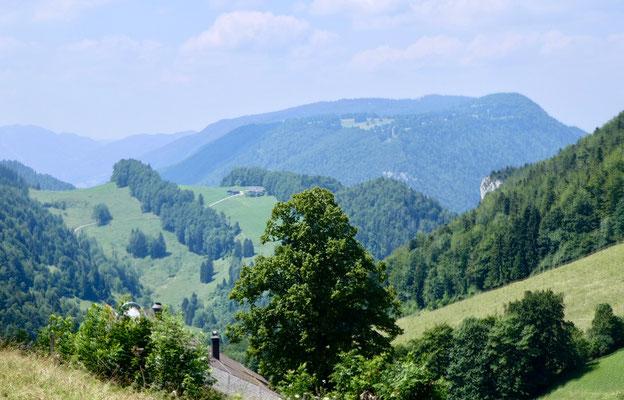 Blick über den Hof Büx zum Malsenberg