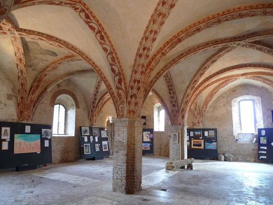 Innenraum des intakten Klosterteil