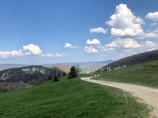 Blick zum Wasserberg und in Laufental