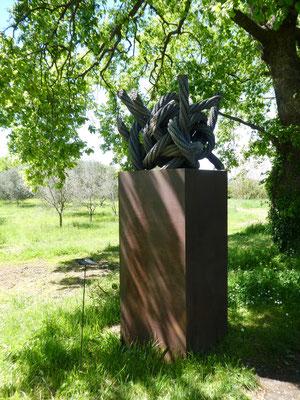 ebenfalls Der nordisch Knoten, Till Augustin