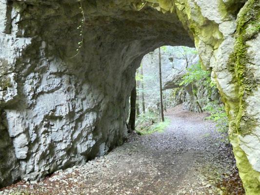 Vier kleine Tunnel