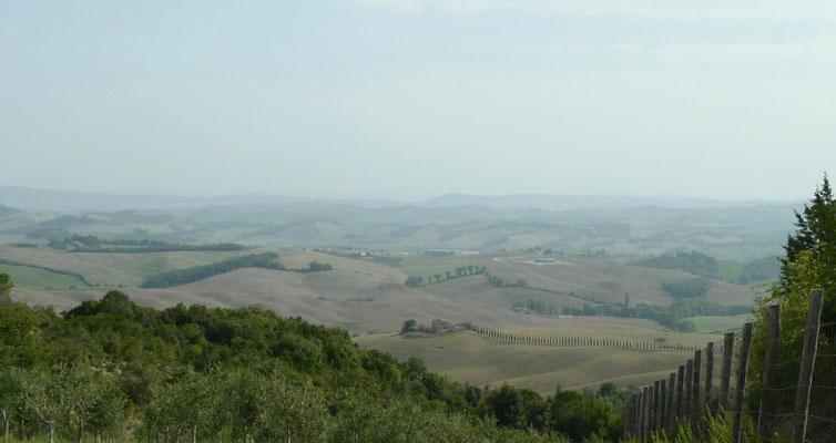 Blick über die typische toskanische Landschaft