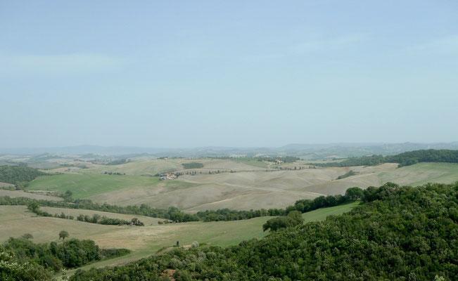 Blick von der Kirche Montepertuso Richtung Westen