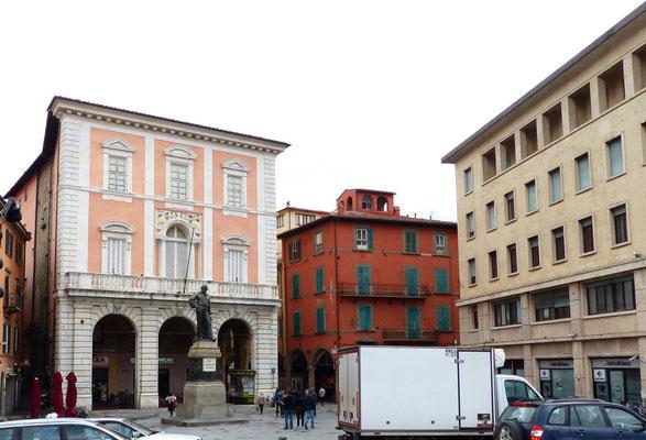 Piazza Garibaldi und Casino dei Nobili