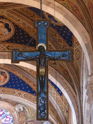 Kruzifix im Innenraum