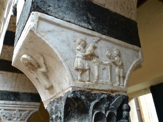 Details vom Kreuzgang von Torri