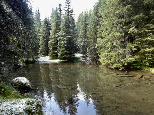 Kleiner See beim Aufstieg an der Flanke des Kleiner Tribulaun