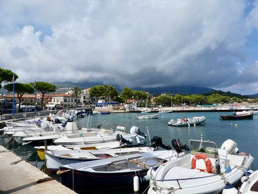 Hafen von Marina di Campo