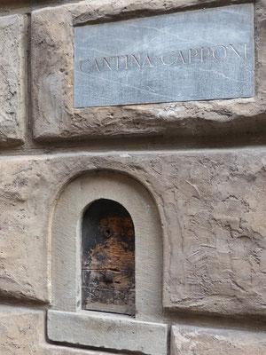 Cantina Capponi, Strassenausschank von Wein