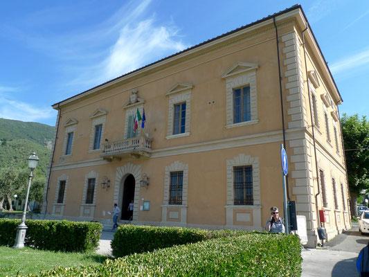 Rathaus von Calci