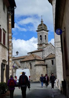 Auf dem Weg zum Collegiata-Kirche