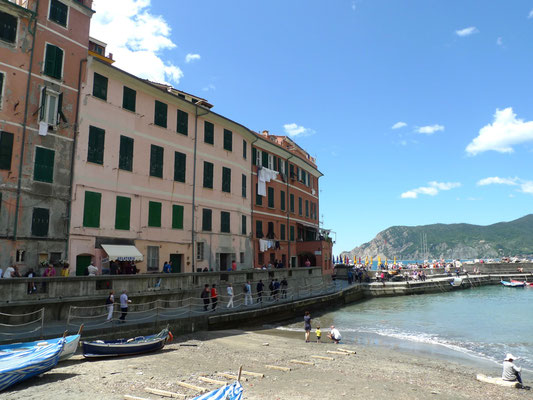 Am Hafen von Vernazza