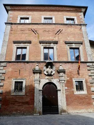 Palazzo Aragazzi Benincasa mit Porträt von Gian Gastone de Medici. dem letzte Grossherzog des Geschlechts Medici