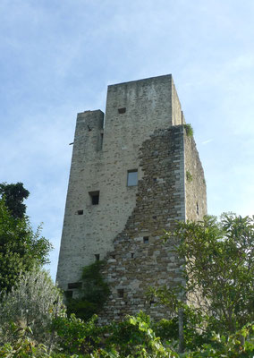 Der markante Turm von Barbischio