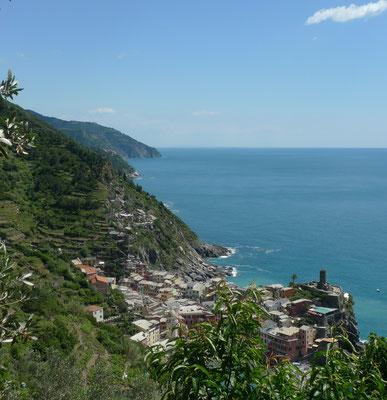 Immer wieder schöne Sicht auf die Cinque Terre