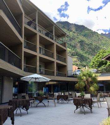 Hotel, Sicht von der Terrasse