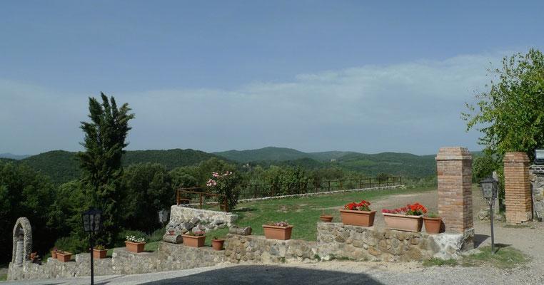 Bei der Kirche Montepertuso