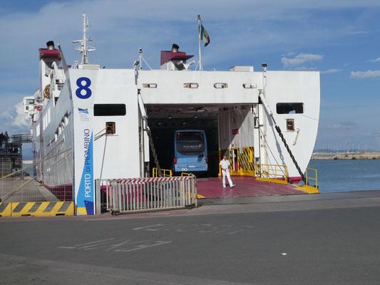 Unser Fährschiff steht schon bereit
