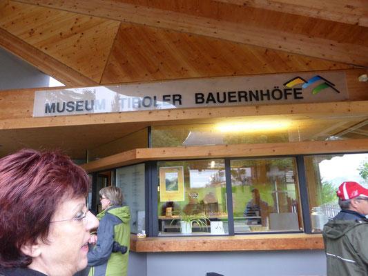 Eingang und Info-Zentrum des Museums