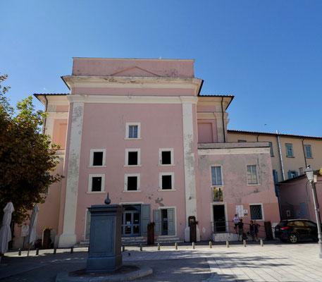 Teatro del Vigilanti bei der Piazza Gramsci, umgebaute Kirche