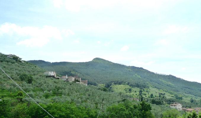 Blick beim Abstieg auf den Monte Verruca