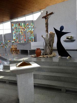 Chor der Kirche