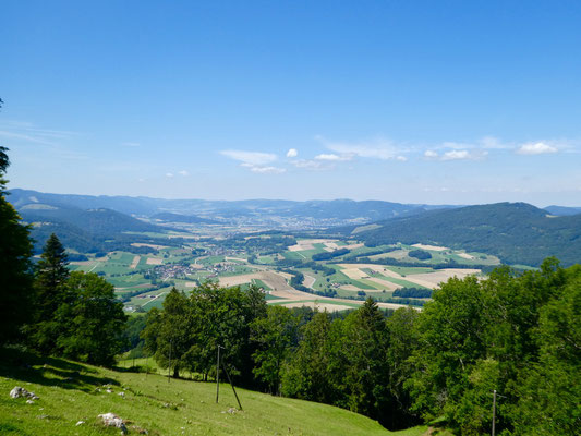 Blick über das Val Terbi ins Delsbergbecken