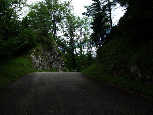 Strasse Richtung St. Ursanne