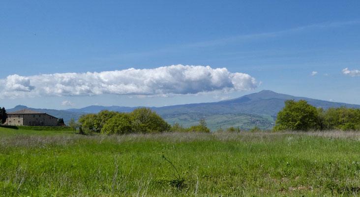 Es scheint als trete am Monte Amiata Rauch aus