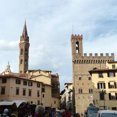 Rechts Palazzo del Bargello und links Turm  der Badia Fiorentina