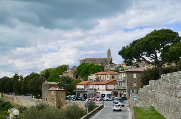 Anfahrt auf Montalcino