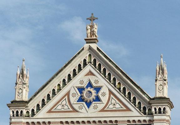 Giebel der Basilica di Santa Croce