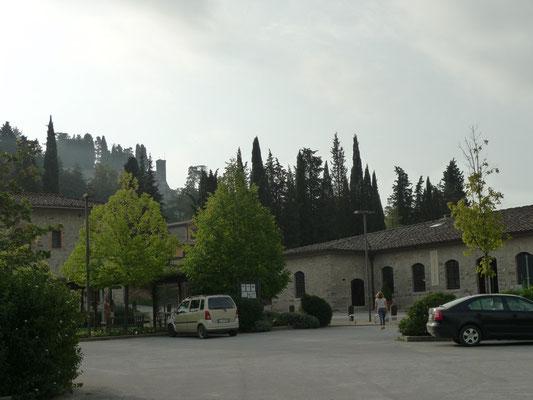 Auf dem Parkplatz unterhalb des Castello di Brolio