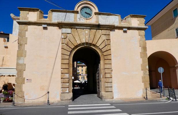 Stadttor (Porta al Mare) zur Altstadt, ehemals einziger Zugang zur Stadt