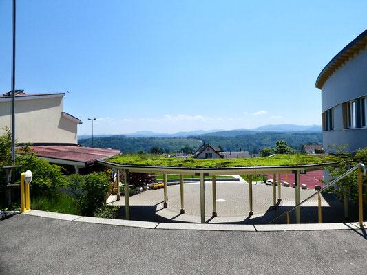 Blick über die Schulanlage