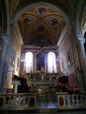 Im Chor der Kirche