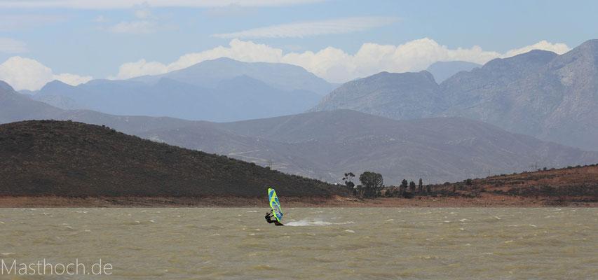 Surfen in den Bergen von Südafrika