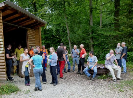Neophyten Bekämpfung in Rheinfelden zum Schutz der Biodiversität